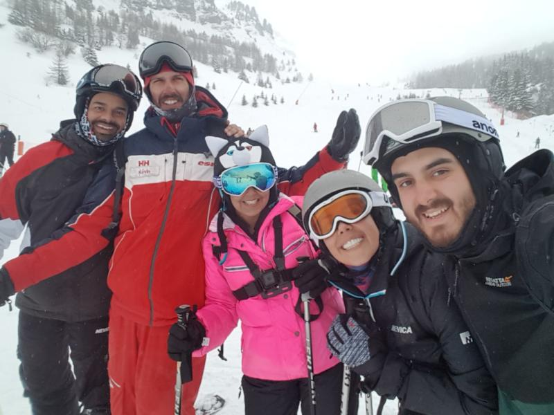 private ski group