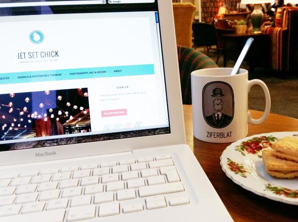 Blogging on location at Ziferblat